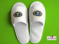Quality Open Toe Embroidery 100 % Microfiber Mens 41 / 42 Disposable Hotel Slippers wholesale