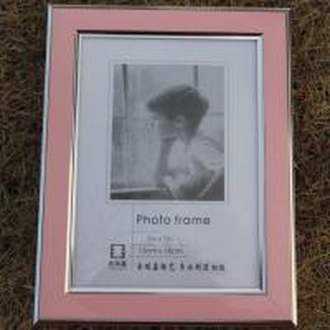 China fashion 5*7 Europe glass photo frame customized PVC photo frame on sale