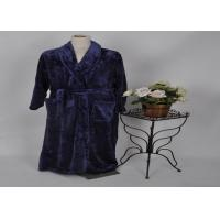 China 280Gram Purple solid flannel Fleece Bathrobes with two pocket and belt for travel , home on sale