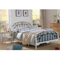 High End Wrought Iron Luxurious Queen Bed , White Metal Frame Double Bed With Mattress