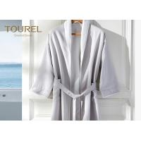 China Embroidered Luxury Hotel Quality Bathrobes Cotton Quilted For Travel on sale