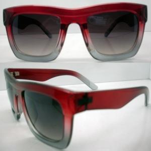 Quality Fashionable Polarized Plastic Frame Sunglasses In Sunny Day wholesale
