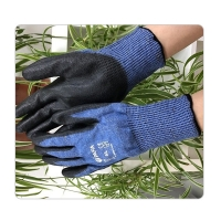 China Building HPPE Steel Knit 13G A6 Cut Resistant Gloves on sale
