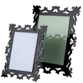 Quality acrylic hanging photo frame wholesale