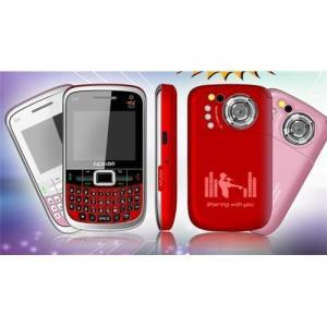 China tri sim hot sale mobile  phone mini Q9 on sale