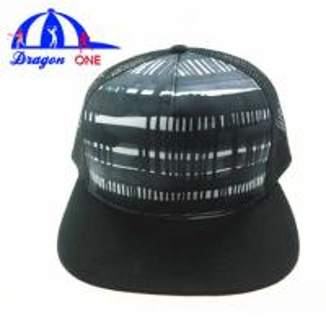 Quality 5 Panel Custom Snapback Hats , Customized Adults Flat Peak Mesh Trucker Caps wholesale