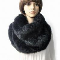 China Knitted Rabbit Fur Scarf in Black, Suitable for Ladies, Keeps Warm on sale