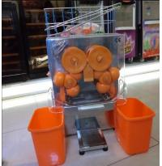 Quality Auto Feed Hopper Automatic Orange Squeezer , Portable Lemon Juicer wholesale