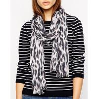 Quality Lady Fashion Woven Printed Scarf wholesale