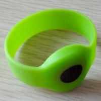 Quality NFC Silicone/RFID Wristband with 860 to 960MHz Operating Frequency wholesale