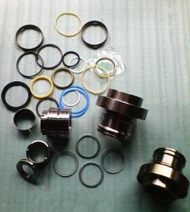 Cheap Hitachi EX100-1 hydraulic cylinder seal kit, earthmoving, NOK seal kit for sale