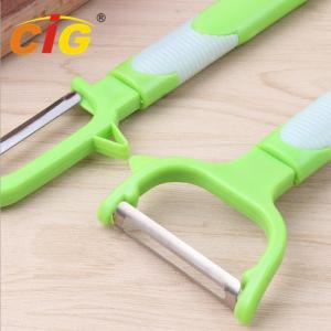 China Multifunctional Stainless Steel Peeling Knife , Plastic Melon Grater Apple Peeler on sale