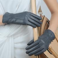 China lady/women sheepskin gray leather gloves on sale