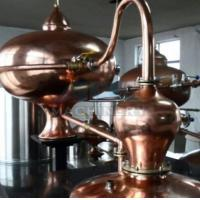 Cheap 100L 200L 300L 500L All Red Copper Small Size Whiskey Gin Brandy Distilling Equipment for sale