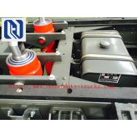 China 116HP Red 4x2 Light Duty Commercial Trucks Middle Opening Van on sale