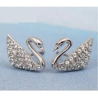 Quality Wholesale new fashion designer Swarovski earrings 1116357 classic swan crystal perforation wholesale