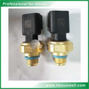 Quality DCEC Engine Parts ISLe Engine Oil Temperature Sensor 4921517 High Performance wholesale