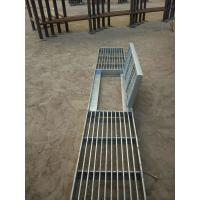 Quality City Road Galvanized Steel Walkway Grating Silver Appearance With Hinge / Round Bar wholesale
