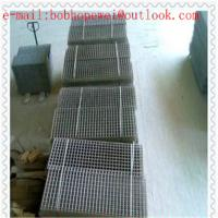China welded wire mesh fence panels in 6 gauge. as hardware cloth/stainless steel welded wire mesh panel from 100% factory on sale