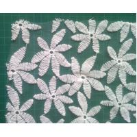 Quality Cotton embroidered mesh water soluble lace fabric , flower pattern for Formal dress wholesale