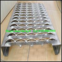 Quality anti-skid galvanized stair checker plate/grip strut stair treads wholesale