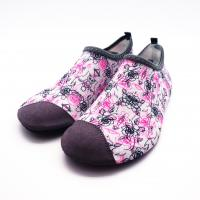 China Lycra Ultra Light Non Slip Water Shoes With Bootstrap Causal Printing on sale