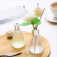 China Customized Luxury Box Home Reed Diffuser Glass Bottle Dried Flower Design on sale