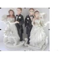 Quality The Western Embrace Cake Topper Figurine wholesale