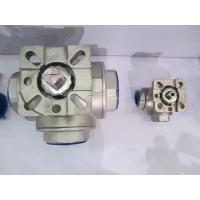 Quality 3 Way Stainless steel threaded ball valve with Direct Mounting pad 1000PSI Reduce bore wholesale