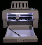 Quality Digital Sheet  Fed Vinyl Sticker Cutter , Label Die Cutting Machine High Cutting Speed wholesale