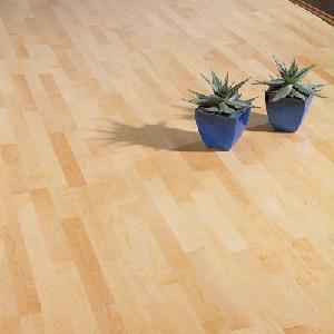 China Mutli Layer Natural Maple Engineered Wood Flooring on sale