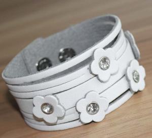 Quality Flower leather women's cuff bracelets, wide leather bracelet wholesale