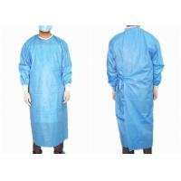 Quality Reinforced Medical Disposable Surgical Gown Easy Wearing Waterproof Anti Statics wholesale