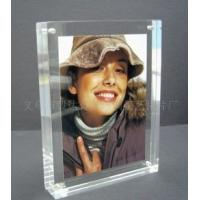 Quality Eco-friendly Durable Acrylic Photo Frames Clear 10mm / 15mm / 18mm With Magnet wholesale