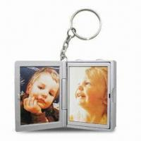 China Digital Voice Recording Keychain with Photo Frame, Holds Pocket-sized Photos on sale