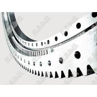 Cross cylindrical roller slewing bearing