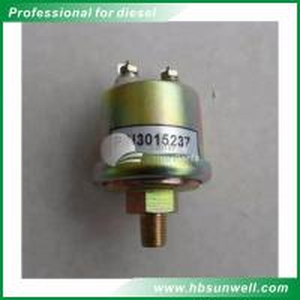 Quality Dongfeng Cummins K19 Engine Oil Pressure Sensor 3015237 High Reliability wholesale