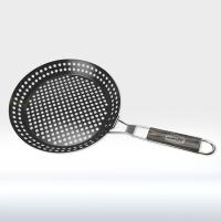 China Non Stick Round Shape BBQ Tools Roasting Pan Rust Resistant Grill Basket Foldable on sale