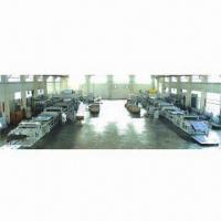 China PE/Aluminum Plastic Composite Board Extrusion Machine, 1,300 to 1,600mm Width on sale