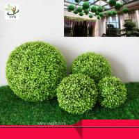 Quality UVG Manufacturer supply hanging dcorative artificial boxwood ball for garden decoration wholesale