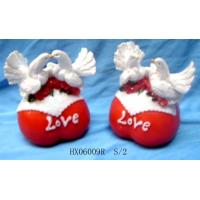 China Polyresin Valentine Dove figurine on sale