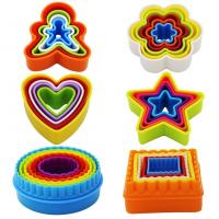 Quality Plastic Multi-size set of 6 Multi-color Two-sided Round Cookie Biscuit Sandwich Fondant Cutter Set wholesale