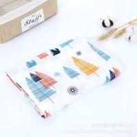 China Absorbent Infant Receiving Blankets , Soft Muslin Blankets For Teething / Drooling on sale