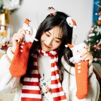 China Wholesale High Quality Gift Packing Fuzzy Women Christmas Socks on sale