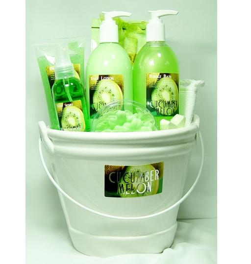 Best Baby Gift Sets : Cheap spa gift set best for baby shower of giftfactory