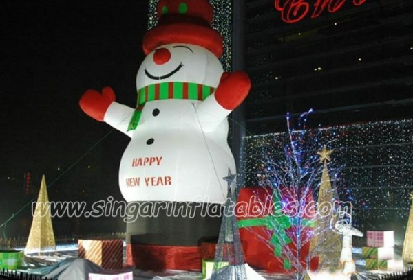 Christmas decorations 6m giant inflatable snowman for for Quality outdoor christmas decorations