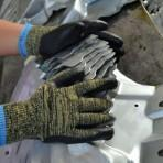 Quality 0080 cut resistance glove with nitrile, cut level 5 wholesale