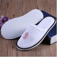 China Disposable Spa Slippers OEM Disposable Hotel Slippers for Guests White Spa Slippers on sale