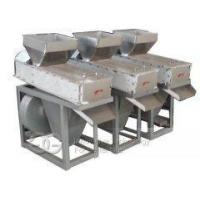 China Dry Type Red Coated Peanut Peeling Machine For Sale on sale