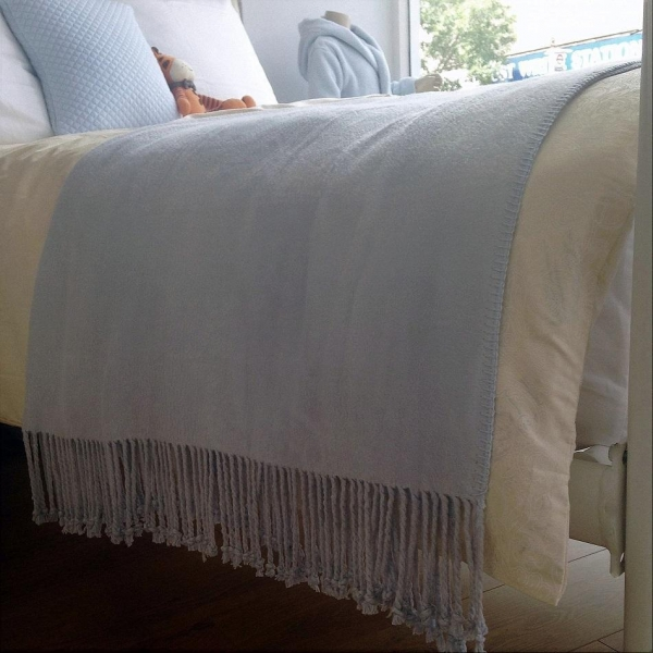 Cheap Pure And Soft Bamboo Blanket Throw With Twisted